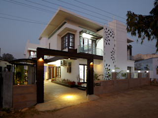 M B M architects Minimalist house