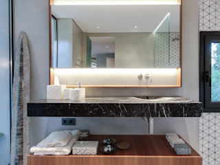 LUV Studio Ванна кімната