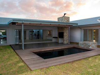 CA Architects Minimalist pool