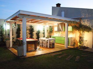 Lozí - Projeto e Obra Moderne balkons, veranda's en terrassen