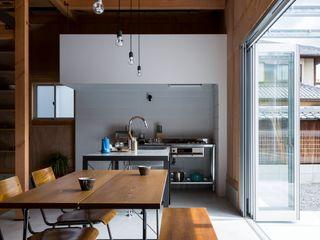 ALTS DESIGN OFFICE Кухня в рустикальном стиле Бетон Серый