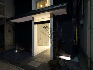 ALTS DESIGN OFFICE Дома в стиле модерн Дерево Белый