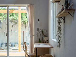 ALTS DESIGN OFFICE Рабочий кабинет в рустикальном стиле Дерево Эффект древесины