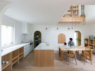 ALTS DESIGN OFFICE Кухня в скандинавском стиле Дерево Бежевый