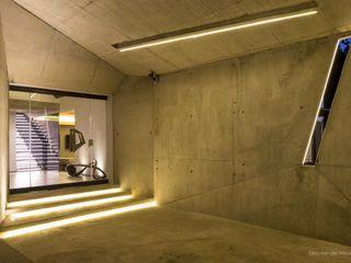 Concrete House Nico Van Der Meulen Architects Будинки