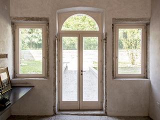 MORO SAS DI GIANNI MORO Вікна Дерево Білий