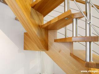STREGER Massivholztreppen GmbH Corridor, hallway & stairsStairs Solid Wood Brown