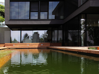 EL Architekt Zoran Bodrozic Minimalistische Häuser Beton Schwarz