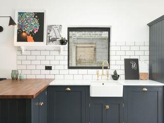 The East Dulwich Kitchen by deVOL deVOL Kitchens Кухня Дерево Синій