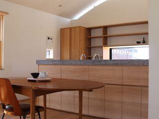 Mimasis Design/ミメイシス デザイン Ruang Makan Gaya Eklektik Kayu Wood effect