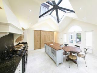 Freestanding Kitchen Sculleries of Stockbridge キッチンキャビネット&棚