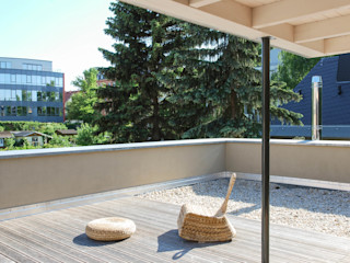 fried.A - Büro für Architektur Moderne balkons, veranda's en terrassen