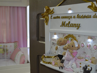 Ésse Arquitetura e Interiores Phòng trẻ em phong cách hiện đại MDF Pink
