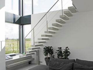Archstudio Architecten | Villa's en interieur Коридор Бетон Сірий
