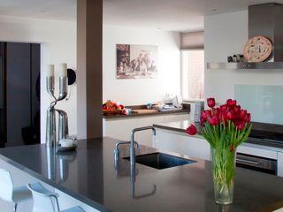 Archstudio Architecten | Villa's en interieur Кухня Граніт Білий