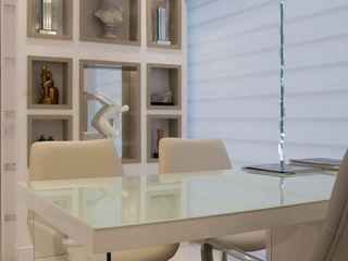 CONSULTÓRIO MÉDICO Graça Brenner Arquitetura e Interiores Escritório e loja MDF Branco