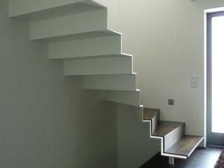 mussler gesamtplan gmbh Modern corridor, hallway & stairs