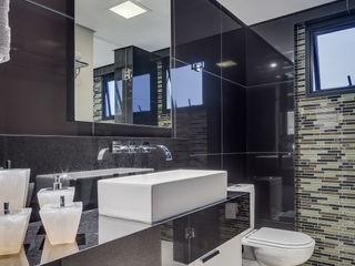 Juliana Lahóz Arquitetura Modern Bathroom