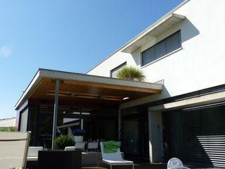 mussler gesamtplan gmbh Modern style balcony, porch & terrace