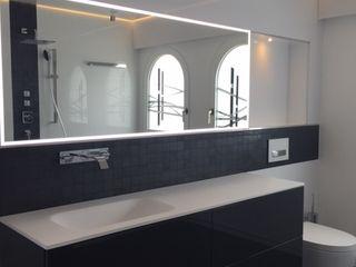 Wohn- & Badkonzepte Classic style bathroom White