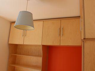 Child's bedroom TreeSaurus RecámarasArmarios y cómodas Madera Acabado en madera