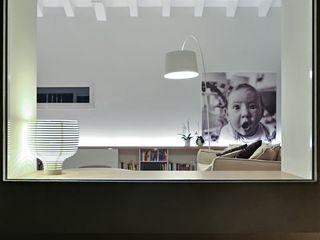 MRT ALDENA Finestre & Porte in stile minimalista Alluminio / Zinco