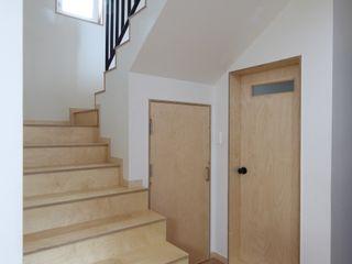 봉산리 주택 위드하임 Withheim 亞洲風玄關、階梯與走廊