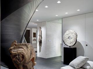 NYC ALDENA Ingresso, Corridoio & Scale in stile minimalista