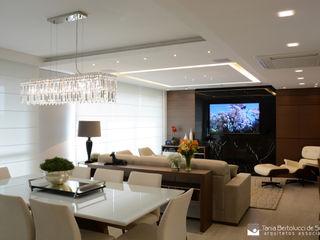 Residência Felipe de Oliveira Tania Bertolucci de Souza   Arquitetos Associados Salas de estar modernas