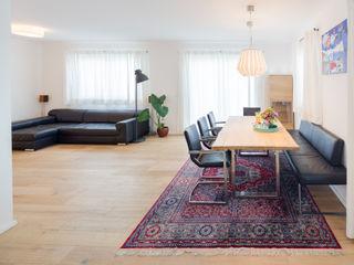 Haus Familie T . Kathameno Interior Design e.U. Skandinavische Esszimmer
