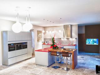 Jeux de Lumière Modern kitchen