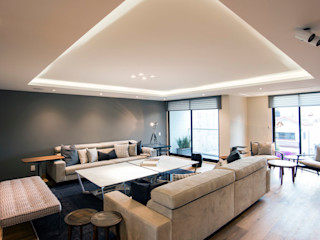 Sobrado + Ugalde Arquitectos 现代客厅設計點子、靈感 & 圖片