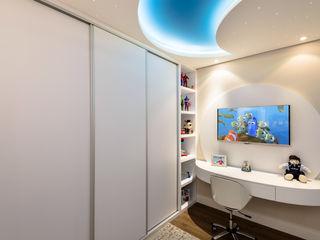 Designer de Interiores e Paisagista Iara Kílaris Cuartos infantiles de estilo moderno Tablero DM Blanco
