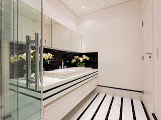 Designer de Interiores e Paisagista Iara Kílaris Baños de estilo moderno Mármol Blanco