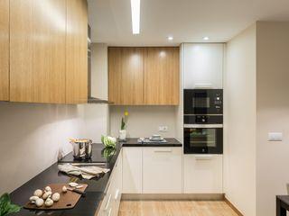 Laura Yerpes Estudio de Interiorismo Scandinavian style kitchen Wood Wood effect