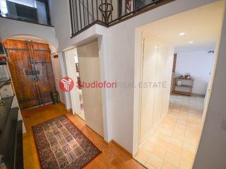 Apartment Vicolo delle Grotte Studio Fori Corridor, hallway & stairsAccessories & decoration Kayu Wood effect