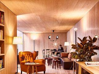M.M. Lampadari Modern hotels