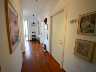 Studio Fori Corridor, hallway & stairsAccessories & decoration Kayu Wood effect