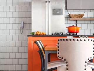 OPEN HOUSE | LARISSA E GABRIEL FRANK Casa de Valentina CozinhaMesas e cadeiras