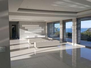 Rudman Visagie Salas de estilo moderno