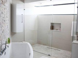 Rudman Visagie Baños de estilo moderno