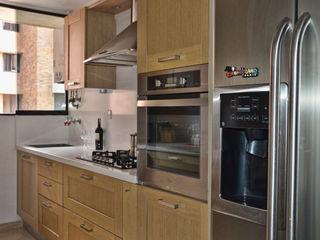 Cocina Loft estudio C.A. Cocinas de estilo clásico Madera Acabado en madera