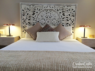 Cristina Cortés Diseño y Decoración BedroomBeds & headboards Kayu