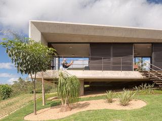 Casa Solar da Serra - 3.4 Arquitetura Joana França Varandas, alpendres e terraços modernos