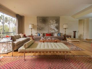 Duo Arquitectura y Diseño Ruang Keluarga Gaya Eklektik