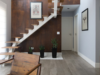 RAFAEL SARDINHA ARQUITETURA E INTERIORES Rustic style living room