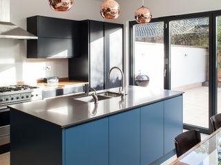 CALABRIA ROAD Nic Antony Architects Ltd Dapur Modern