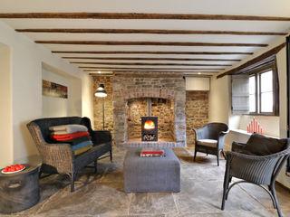 Miner's Cottage I design storey Eklektik Oturma Odası