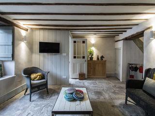 Miner's Cottage II design storey Rustik Oturma Odası