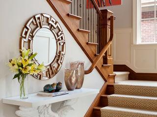 Andrea Schumacher Interiors Pasillos, vestíbulos y escaleras eclécticos